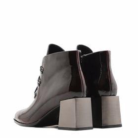 Ботинки весенние на каблуке - Фото №3