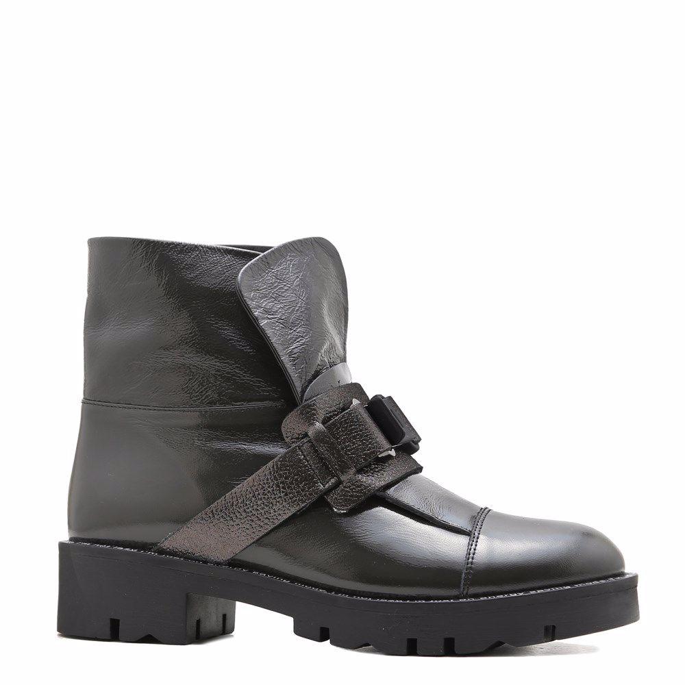 Купить со скидкой Ботинки осенние на платформе