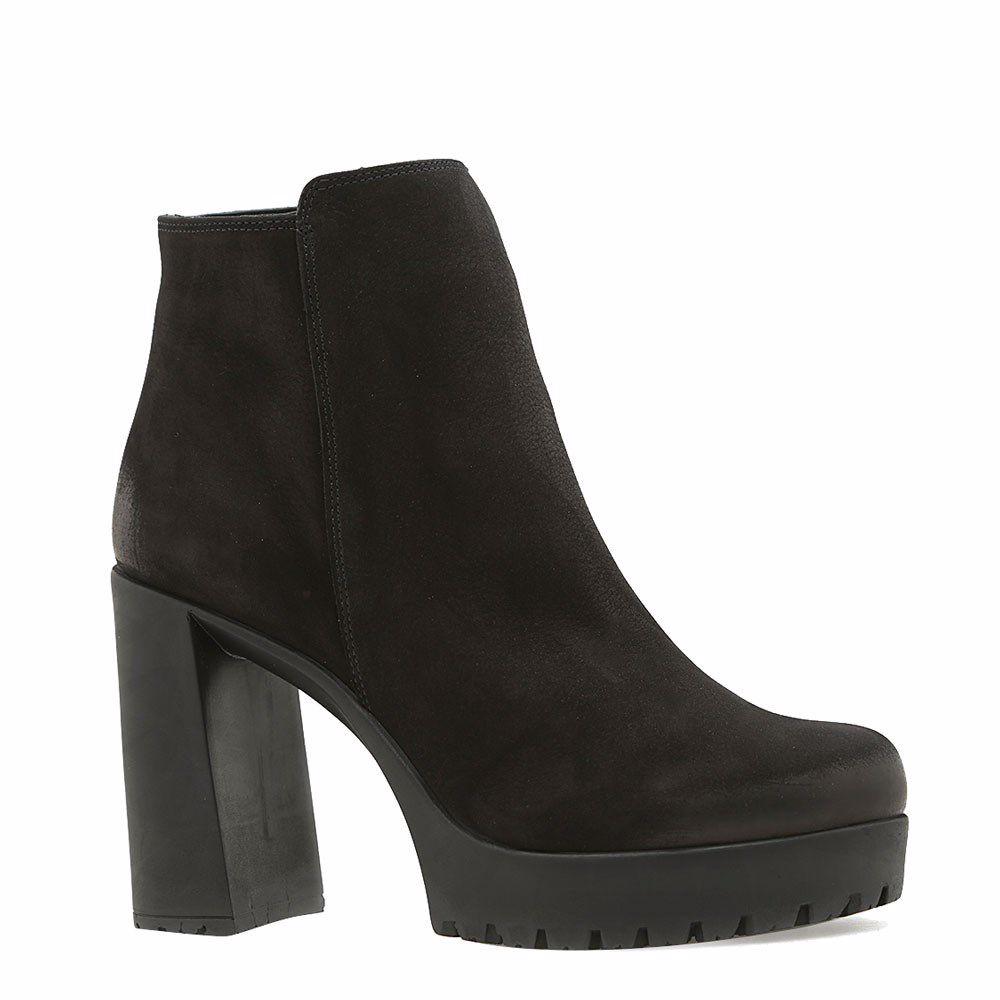Купить со скидкой Ботинки зимние на каблуке