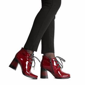 Ботинки весенние на каблуке - Фото №6