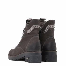Ботинки зимние на каблуке - Фото №3