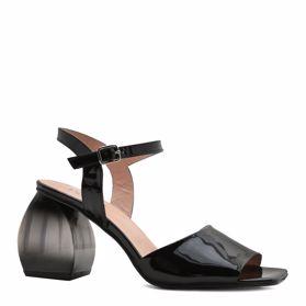 Босоножки на каблуке - Фото №1